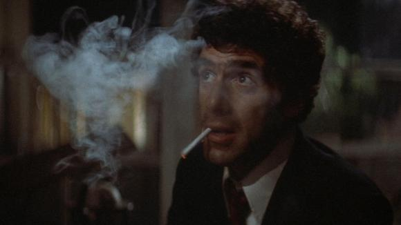 Elliott Gould as Philip Marlowe in Robert Altman's THE LONG GOODBYE (UA, 1973)